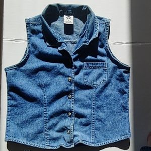 Womens ellemenno sleeveless denim vest. Sz M.